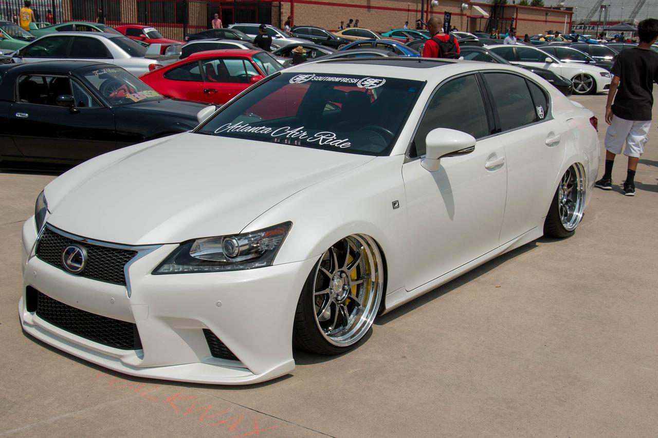 Wzrost sprzedaży Lexusa